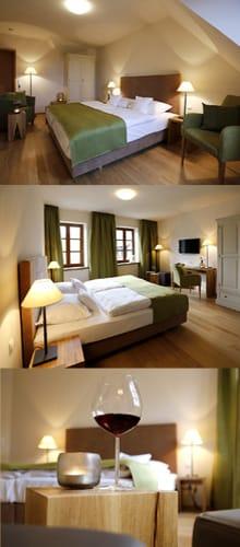 """Hotel, Weincastell """"Zum Weissen Ross"""" in Kallstadt"""