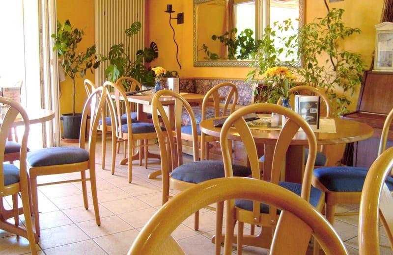"""Stadt-Café Pension Grünstadt"""