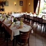 Der gemütliche Gastraum der Weinstube