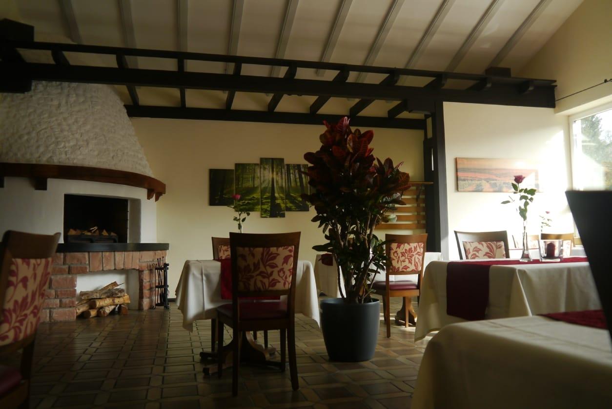 Kaminzimmer restaurant molino im hotel zur linde in silz