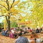 """Der Biergarten der Waldgaststätte """"Cramerhaus – Lindelbrunn"""""""