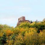 """Der Blick zur Burgruine """"Lindelbrunn"""""""
