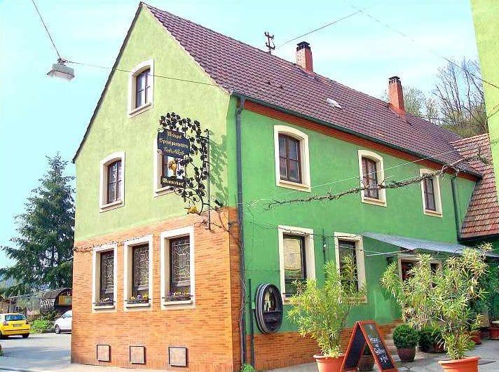 """Speisegaststätte, Hofcafé, Weingut """"Nägle"""" in Albersweiler in der Pfalz"""