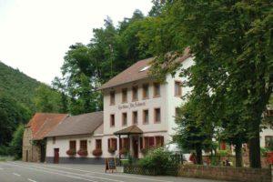 """Waldgaststätte mit kreativer Frischeküche, Pension """"Alte Schmelz"""" in Bad Dürkheim - Hardenburg in der Pfalz"""
