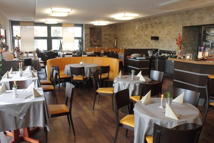 Amadeus Griechisches Restaurant Biergarten Wwwpfalz Infocom