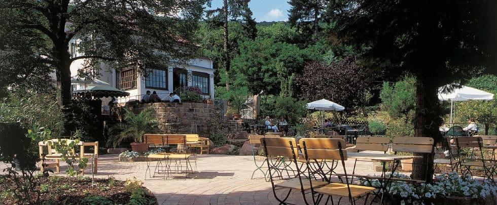 """Restaurant, Hotel """"Sankt-Annagut"""" in Burrweiler in der Pfalz - Terrasse"""