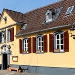 """Weinstube """"Bach-Mayer"""" im alten Jagdhaus in Bad Dürkheim - Aussenansicht"""