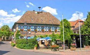 """Restaurant """"Am Dorfbrunnen"""" in Hainfeld in der Pfalz"""