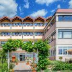 """Hotel***, Höhenrestaurant, Sonnenterrasse """"Hotel Haus am Weinberg"""" in Sankt Martin in der Pfalz"""