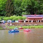 Tretbootfahren auf dem Paddelweiher an der