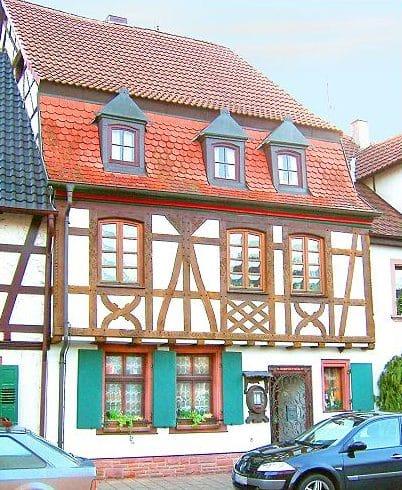 """Weinstube """"Zur Reblaus"""" in Bad Bergzabern in der Pfalz"""