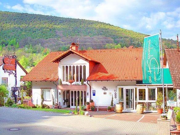 """""""Wiedemann's Restaurant"""" im """"Wiedemann's Weinhotel"""" mit Wellness-Oase in Sankt Martin in der Pfalz"""
