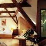Zimmer im Hotel, Weingut, Weinstube, Restaurant