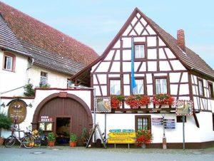 """Weinstube """"Zehntkeller"""" in Leinsweiler in der Pfalz"""