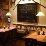 Gastraum der Weinstube Zehntkeller in Leinsweiler