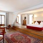 Chic & elegant: die Zimmer im Schloss Edesheim