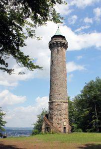 Der Humbergturm entworfen von Ludwig von Stempel