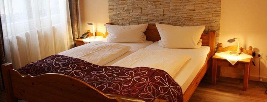 """Doppelzimmer Hotel, Restaurant, Weinstube """"Filling"""" in Frankenthal"""