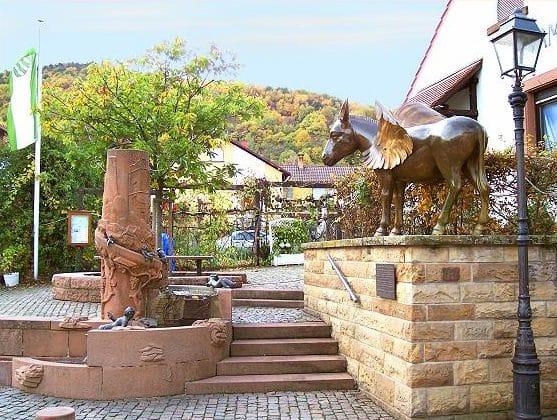"""Eschbacher """"Rutsch-Brunnen"""""""