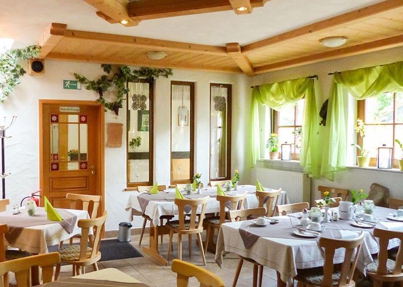 Kiefer weinstube gästehaus maikammer www pfalz info com