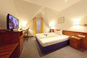 """Zimmerbeispiel """"Hotel Goldenes Lamm"""" in Dudenhofen"""