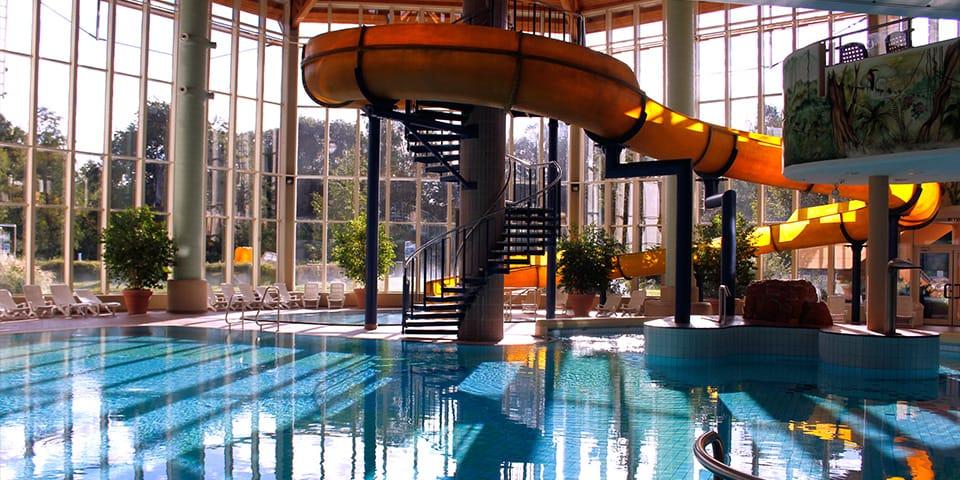 Felsland badeparadies saunawelt dahn for Piscine badeparadies