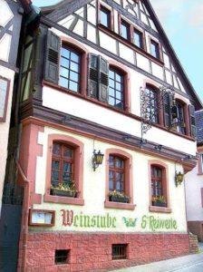 """Weinstube, Restaurant und Ferienwohnungen """"S'Reiwerle"""" in Annweiler"""