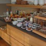 Frisches Frühstücksbüffet im