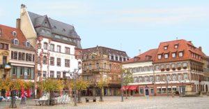 Historische Gebäude - Rathausplatz in Landau in der Pfalz