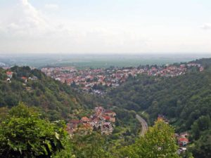 Der wundervolle Blick von Klosterruine Limburg aus auf Bad Dürkheim