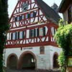 Das Rathaus in Ilbesheim in der Pfalz
