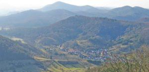 Dernbach in der Pfalz - Blick von der Burgruine Neuscharfeneck