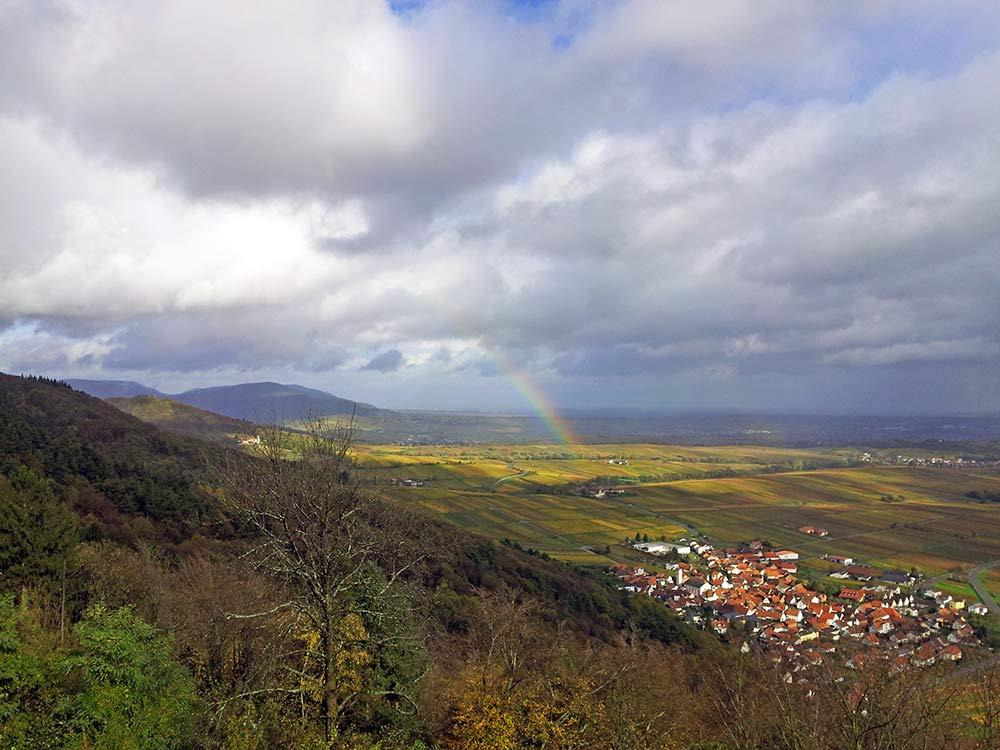 Eschbach in der Pfalz - Blick von der Madenburg aus