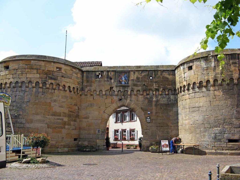 Stadt-, Eisentor in Freinsheim in der Pfalz