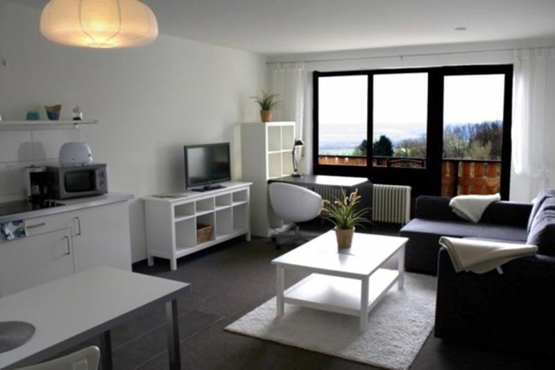 """Wohnzimmerbeispiel Apartment-Hotel & Restaurant """"Kastanienhof"""" in Dannenfels in der Pfalz"""