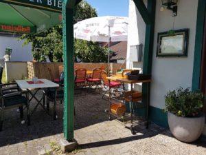 Zur Kalmit Hähnchenrestaurant, Terrasse
