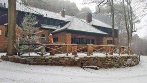 """Waldhütte """"Hellerhütte"""" in Elmstein im Winter"""