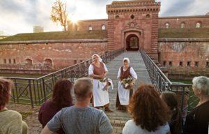 Festungsführung mit den Bauersfrauen