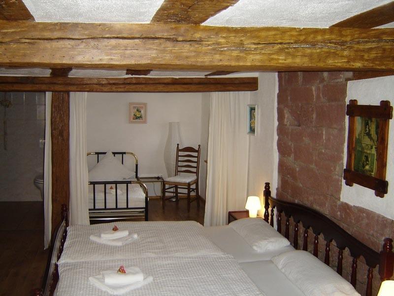 """Gästezimmer """"Zum Salztrippler"""" in Rumbach in der Pfalz - Wirtshaus, Gästehaus"""