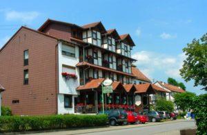 """Hotel, Restaurant """"Blick zum Maimont"""" in Ludwigswinkel in der Pfalz"""