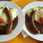 Bratwürste mit Kartoffelstampes – Gräfensteinhütte in Merzalben in der Pfalz