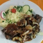 Pfälzer Rumpsteak mit Kartoffelstampes – Gräfensteinhütte in Merzalben