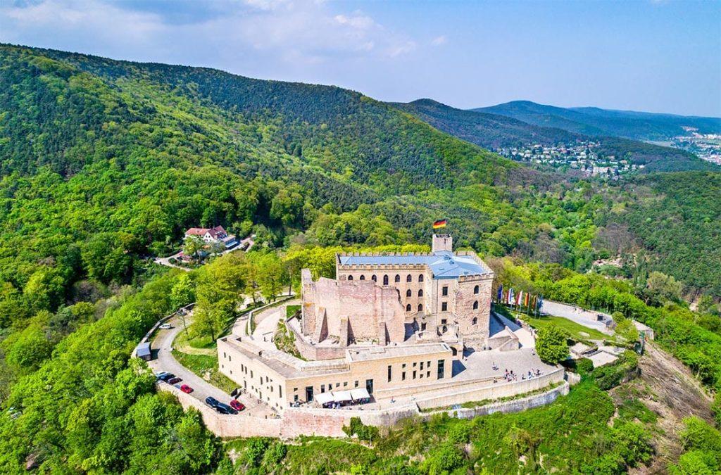 Das Hambacher Schloss - Neustadt in der Pfalz - die Wiege der deutschen Demokratie