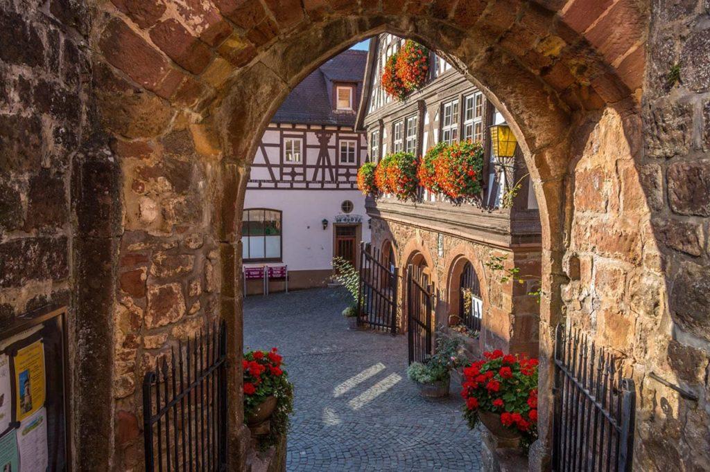 Dörrenbach - Blick auf das Rathaus - Foto: Andreas Ott