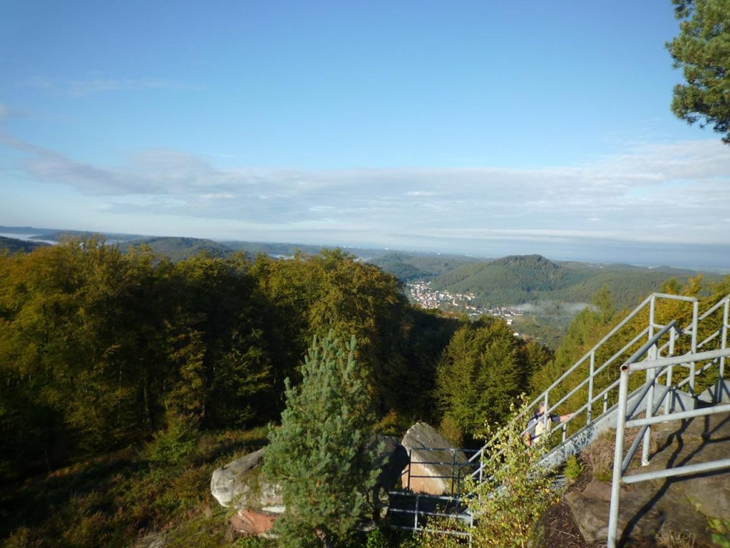 Aussichtsplattform Winschertfelsen bei Merzalben in der Südwestpfalz
