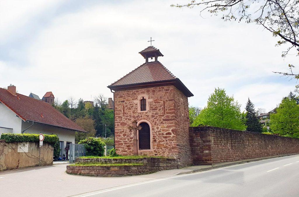 Heiligenhäuschen und Scharfrichterkreuz in Neuleiningen