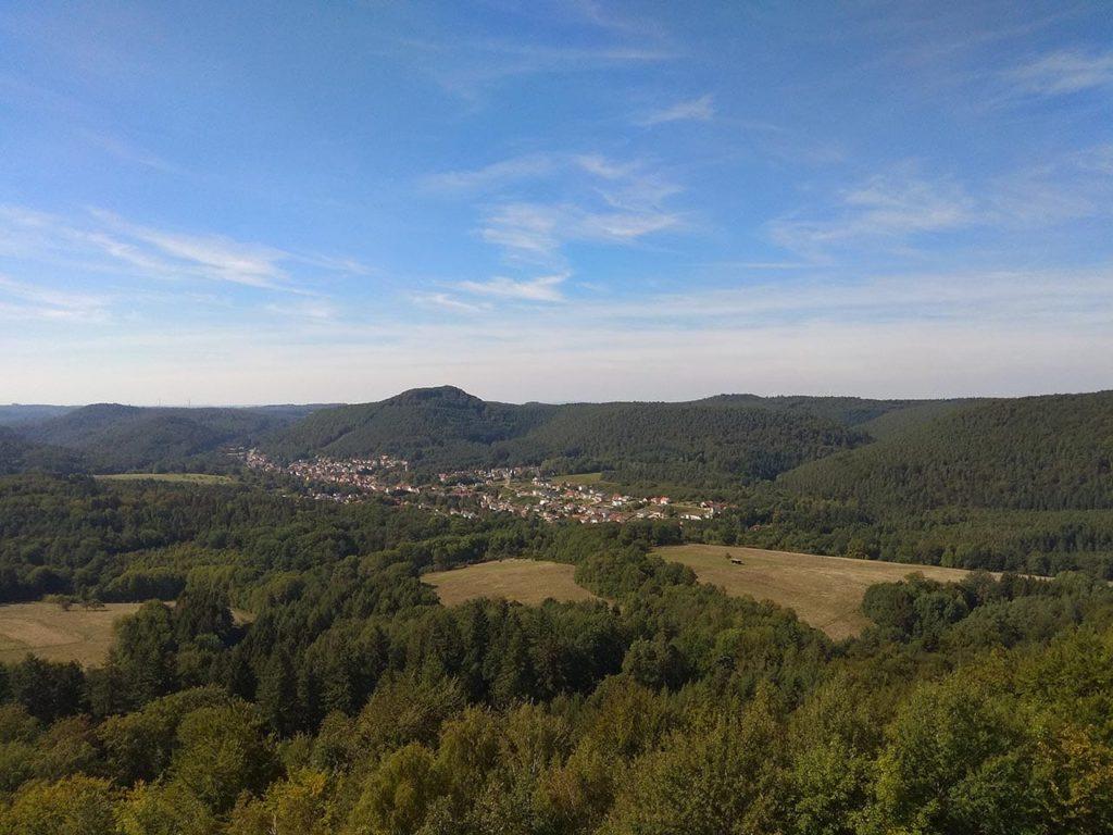 Merzalben in der Pfalz - Blick vom Turm der Burgruine Gräfenstein
