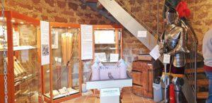 Museum im Burgturm der Burgruine Neuleiningen