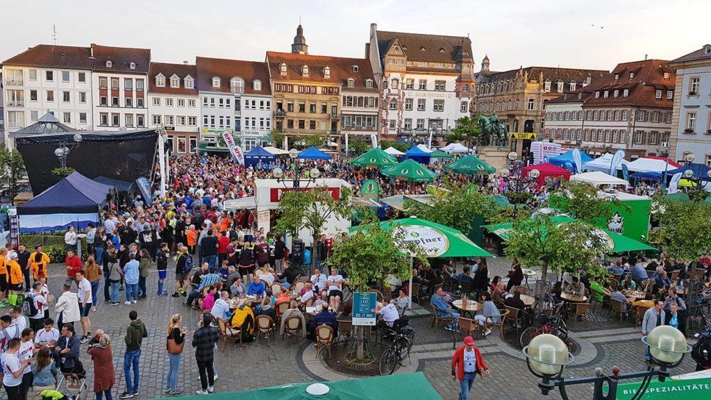 Rheinpfalz Firmenlauf Südpfalz mit After Run Party auf dem Rathausplatz von Landau