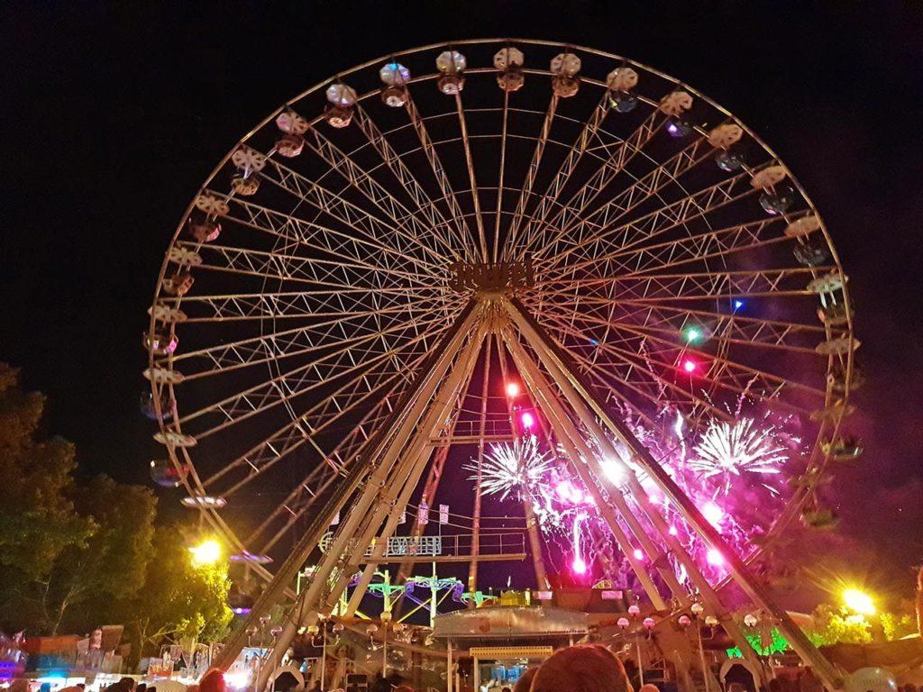 Riesenrad mit Feuerwerk - Herbstmarkt Landau in der Pfalz